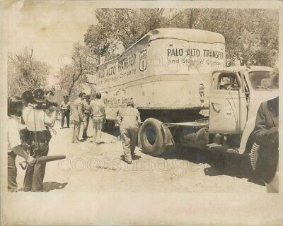 1976 Press Photo Palo Alto Transfer Truck Used to Hold Kidnapped Kids Madera (Palo Alto Kids)