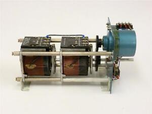 New-Staco-Motorized-Variac-5M1010-2-120-240V-10A-Variable-Autotransformer-Motor