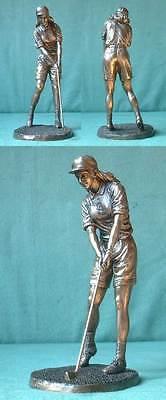 W17 - Golf-Spielerin, Statue Steinguss