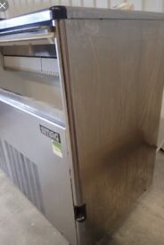 Ice machine large capacity