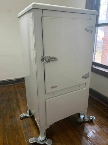 Rare antique 1920s/1930s Norge Refrigerator on legs w/Art Deco details