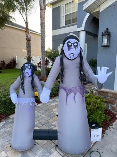 Halloween 5.5 ft Short Circuit Creepy Girls TWINS Lighted  Inflatable SEE VIDEO
