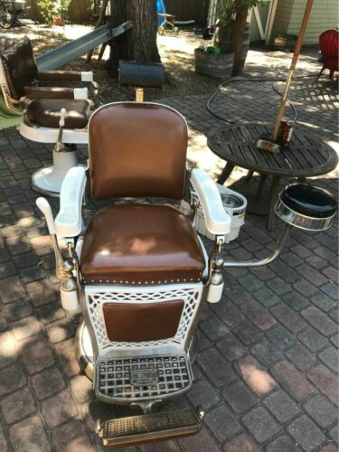 Vintage Barber Shop Chair by Emil J. Paidar Chigao