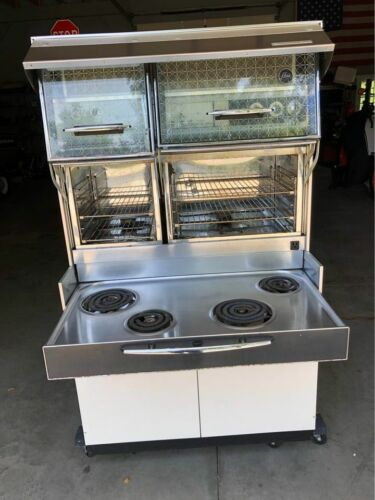 Vintage 1960 Frigidaire Imperial Custom Flair Electric Stove
