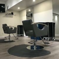 Hairstylists / esthetician wanted!