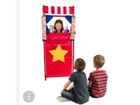 Kids puppet show with 4 puppets