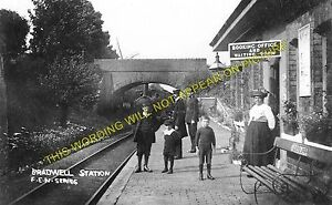 Bradwell Railway Station Photo. Wolverton to Great Linford and  Newport Pagnell