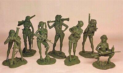 Vietnam war Miniature Playboy girls Rubber material 1/32