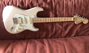 Deluxe HSS Fender Stratocaster