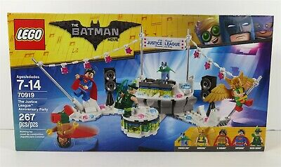 LEGO 70919 The LEGO Batman Movie The Justice League Anniversary Party