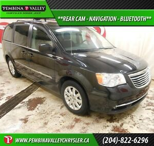 2013 Chrysler Town & Country Touring *REAR CAM, NAVIGATION, BLUE