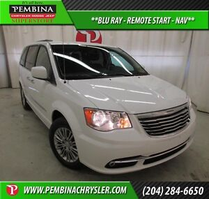 2016 Chrysler Town & Country Touring-L *BLU RAY, REMOTE START, N
