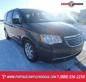 2015 Chrysler Town & Country Touring *$141 B/W, $1,240 OFF*