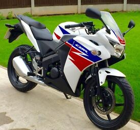 STUNNING 2014 CBR125R 2400 MILES HPI CLEAR YZF R125 UK DELIVERY AVAILABLE