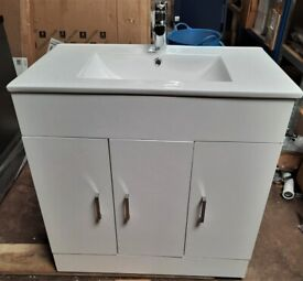New Gloss White 3 Door Soft Close Vanity Unit With Sink, Tap & Waste