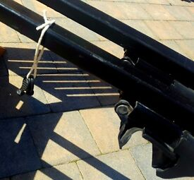 ROOF BARS. Mont blanc Good condition £35.00