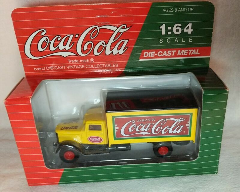 Hartoy Coca Cola Die cast metal Peterbilt Covered Truck yellow 1:64 Scale 1993