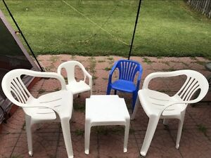 Patio Set of 4 Chairs and Table