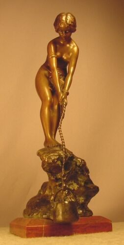Exquisite Antique Bronze Sculpture Nude Lady Drawing Water Signed Besserdich