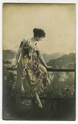 c 1918 Lovely Lady BEAUTIFUL WOMAN Beauty glamour glamor photo postcard