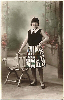 FASHIONABLE YOUNG WOMAN IN FANCY DRESS 1930 TINTED PHOTO POSTCARD, PARIS, FRANCE