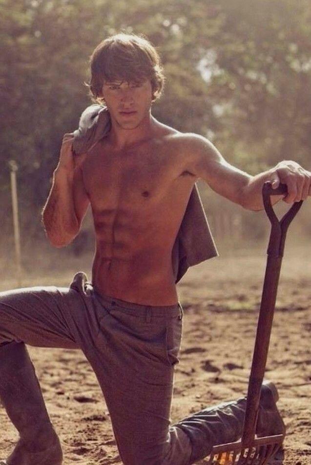 Shirtless Male Athletic Muscular Hot Body Shaggy Hair Farm Boy PHOTO 4X6 D1144