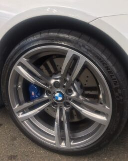 BMW M3 M4 F8x Genuine set of wheels