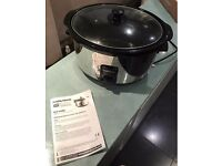 Slow cooker, Morphy Richards - money saving cooking device - bargain - £45 new