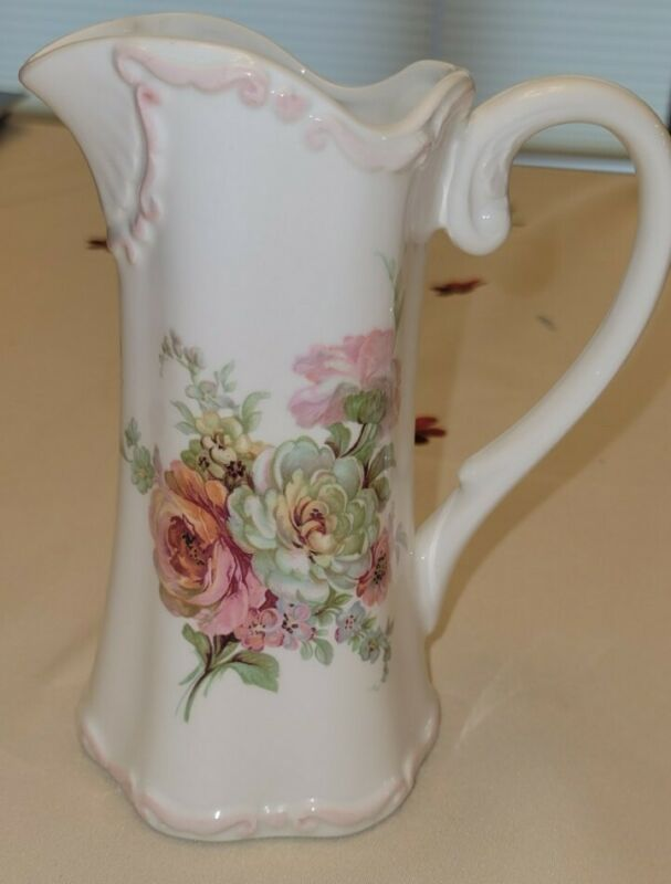 Royal Crown Victoria Arnart Pitcher Roses With Pink Trim