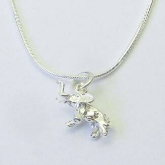 STERLING SILVER 925 3D LUCKY ELEPHANT CHARM/PENDANT 18 X 8MM.
