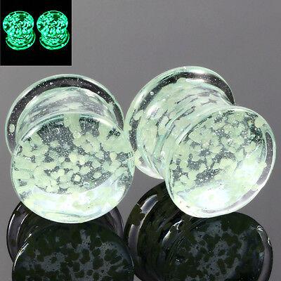 2pcs Glass Glow In The Dark Ear PLUG Expander Gauges Unisex Punk Body Jewelry - Glow In The Dark Body