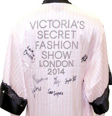 AUTOGRAPHED and RARE Victoria's Secret 2014 London Fashion Show Robe 0/S NWOT
