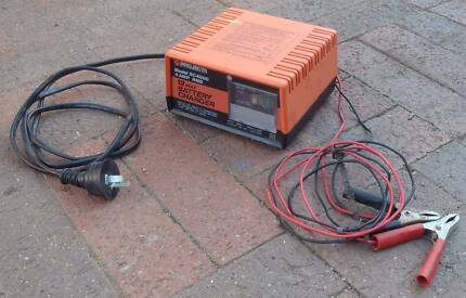 Projecta 12v 4amp battery charger