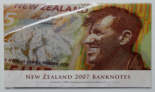 2007 New Zealand Banknote Set !!!!! SCARCE