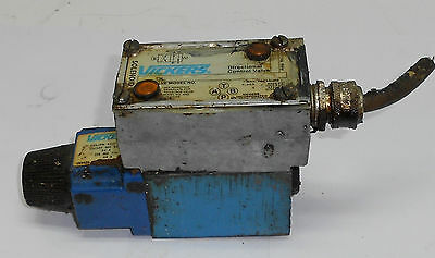 Vickers Directional Valve, DG4V3-2A-MWLB 40, Used, Warranty