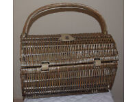Luxury Willow Picnic Hamper for 2 People, Picnic, Picnic Hamper, Wicker
