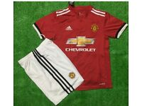 Manchester united 10/11 years- kids full kit