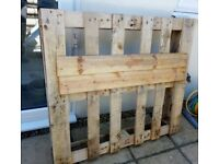 Wooden pallet Free to collect