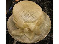 Beige raffia style hat
