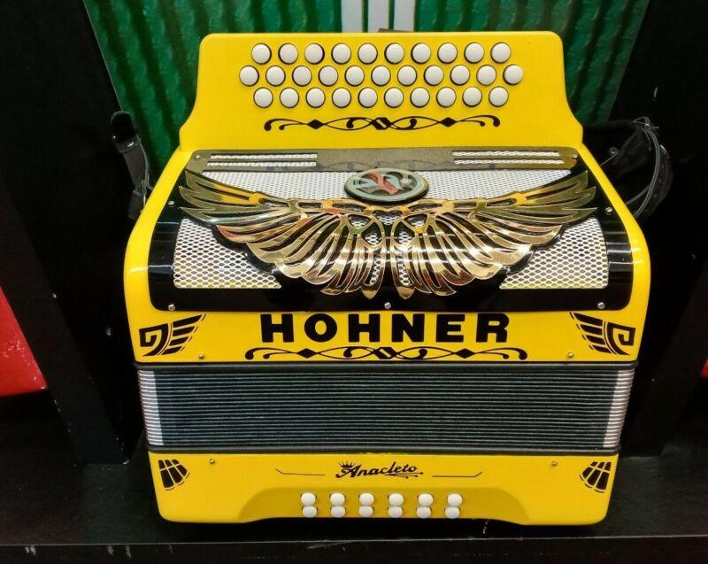 Hohner Panther Diatonic Accordion - Keys FBbEb *En tono de FA *Nuevo*