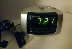 Emerson Dual Alarm Clock Radio Model No: CK 5051(Silver)