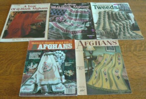 Lot 5 AFGHAN PATTERNS Leisure Arts A Year of Q-Hook Afghans Chadwick
