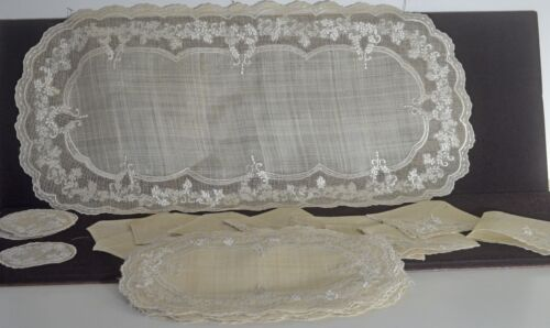 VINTAGE EMBROIDERED PINA 10 NAPKINS PLACEMATS DOILIES & RUNNER NIB UU214