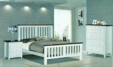 KING SIZE BEDROOM SUITE IN TWO TONE
