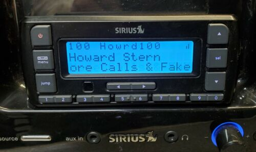 SIRIUS XM STRATUS 6 RADIO WITH APPARENT LIFETIME SUBSCRIPTION (HOWARD STERN)