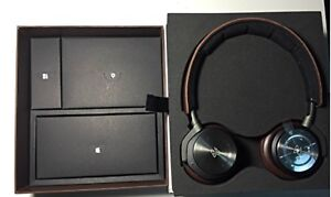 Bang and Olufsen H8 Noise cancelling wireless headphones