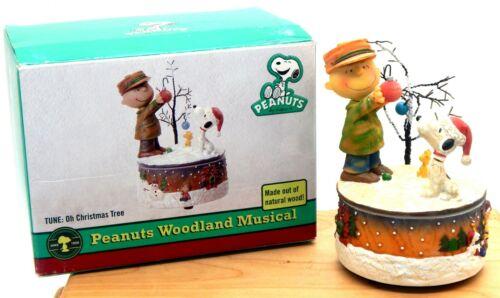 Peanuts Charlie Brown Snoopy Woodstock Christmas Woodland Music Box 2008 Vintage