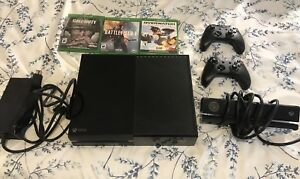 Xbox One (500gb) + 2 Controllers + Kinect + 3 games