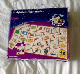 UNIVERSE OF IMAGINATION 28 PIECE ALPHABET FLOOR PUZZLE. 86 X 56CM. COMPLETE.
