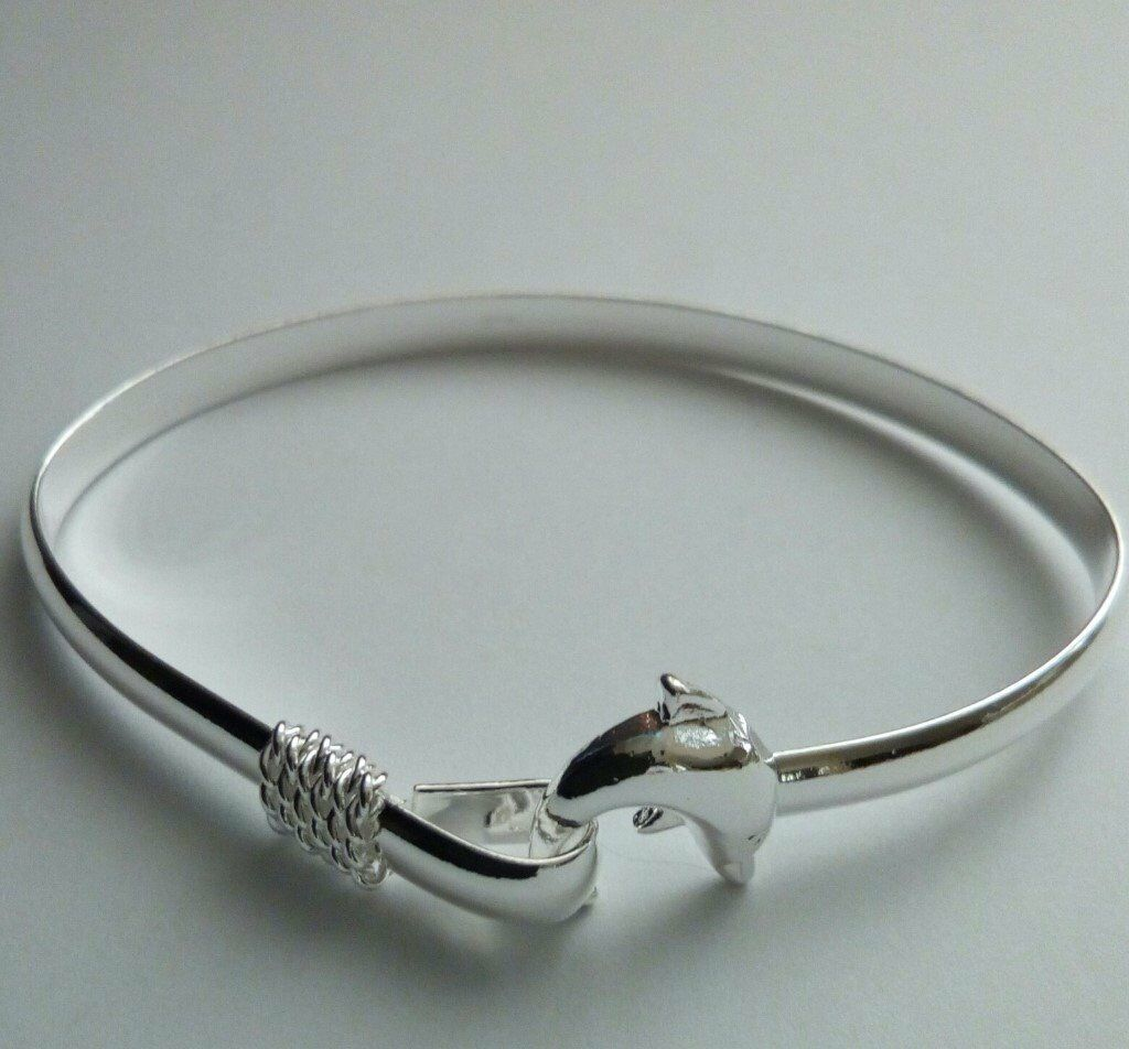 BRAND NEW 925 DOLPHIN BANGLE